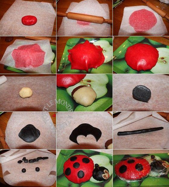 pour les chenilles faires des boules de pte damande colore avec la pte restante - Colorer Pate Amande