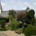 Le jardin derrière l'église