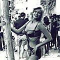 jayne_bikini_bicolore-1964-film-panic_button-set-2