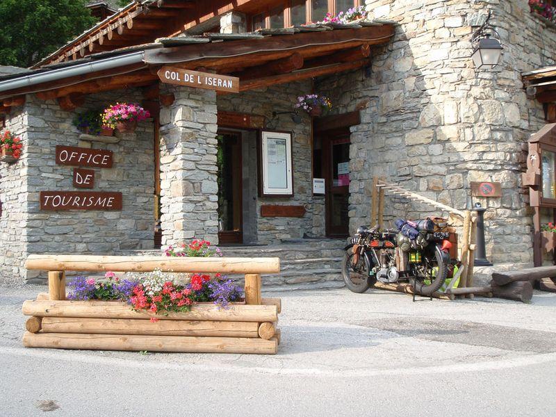 Descente sur la vall e de la maurienne blog de manu voyage avec ma terrot 350 de 1928 j 39 ai - Office de tourisme bessans ...