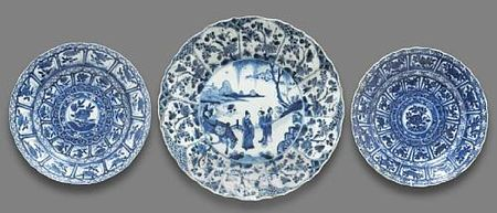A_group_of_three_blue_and_white_export_porcelain_dishes
