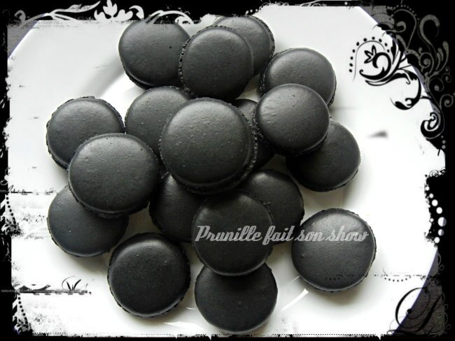 macarons noirs prunillefee