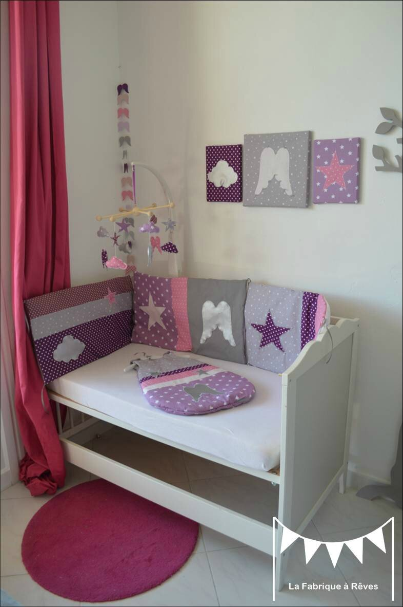 Chambre fille parme photo for Chambre violet et rose