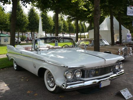 IMPERIAL_Crown_2door_convertible_1961_Schwetzingen__1_
