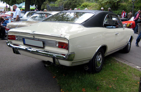 Opel_commodore_02