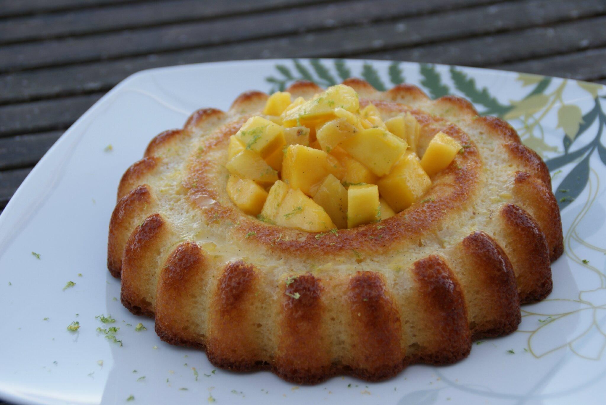 petit cake moelleux coco ananas mangue et sa salade de fruits pascale co. Black Bedroom Furniture Sets. Home Design Ideas