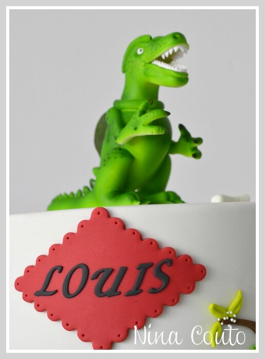 gateau anniversaire Nimes Dinosaure 2
