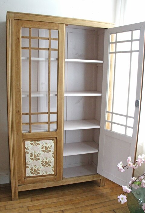 armoire ancienne vitr e retour de chine. Black Bedroom Furniture Sets. Home Design Ideas