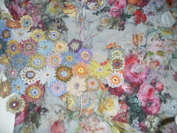 carré juin - gilet fleurs 022