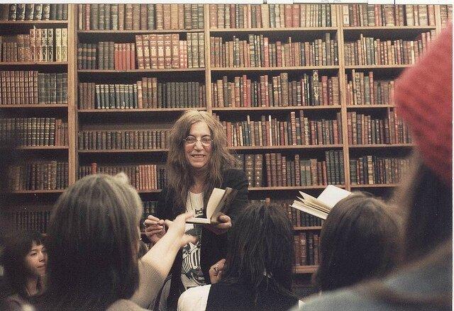 Patti Smith défend les bibliothèques newyorkaises