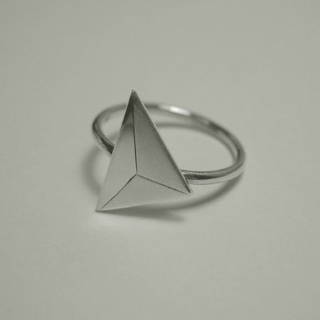 sol-n-bague-triangle-argent
