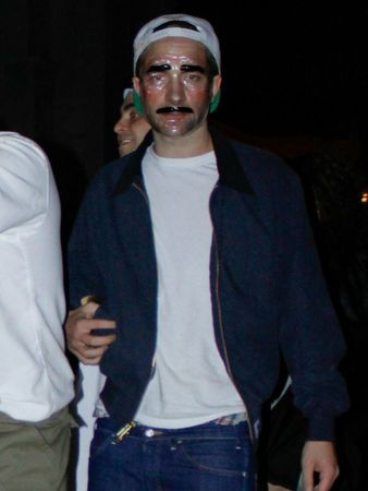 Robert-Pattinson-and-Kristen-Stewart-Halloween-4