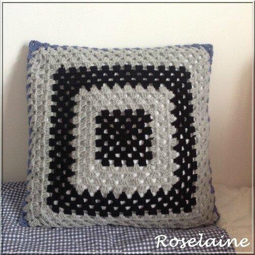 Roselaine coussin granny square