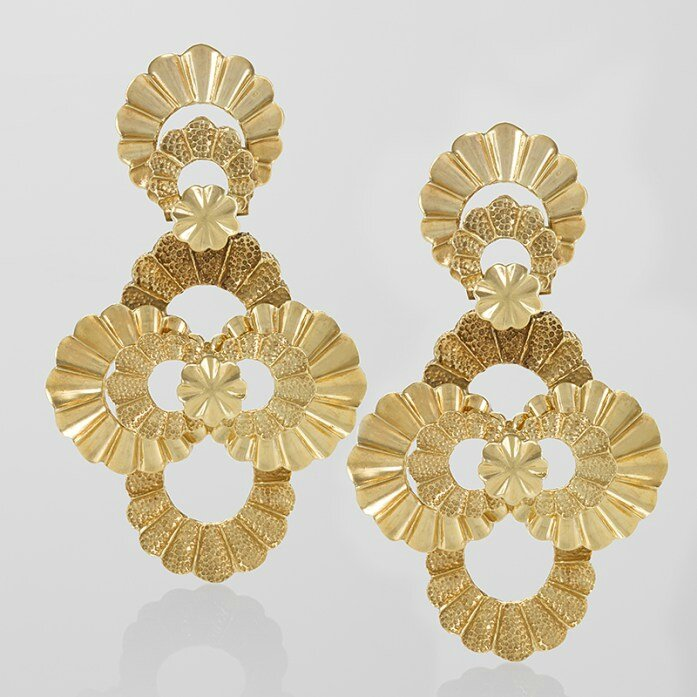 Jewelry exhibitors at the 62nd annual Winter Antiques Show - Alain ...