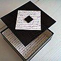 Ma boîte marron et papier écriture