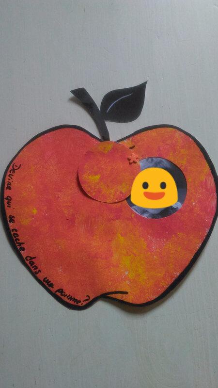 Qui se cache dans ma pomme