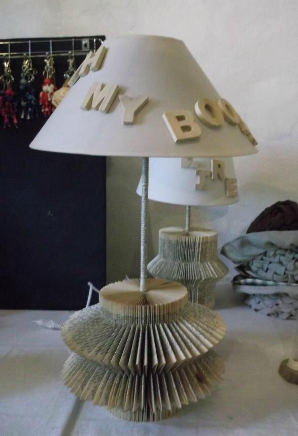 Super mes livres..détournés après pliage..lampes ou hérissons  TT34