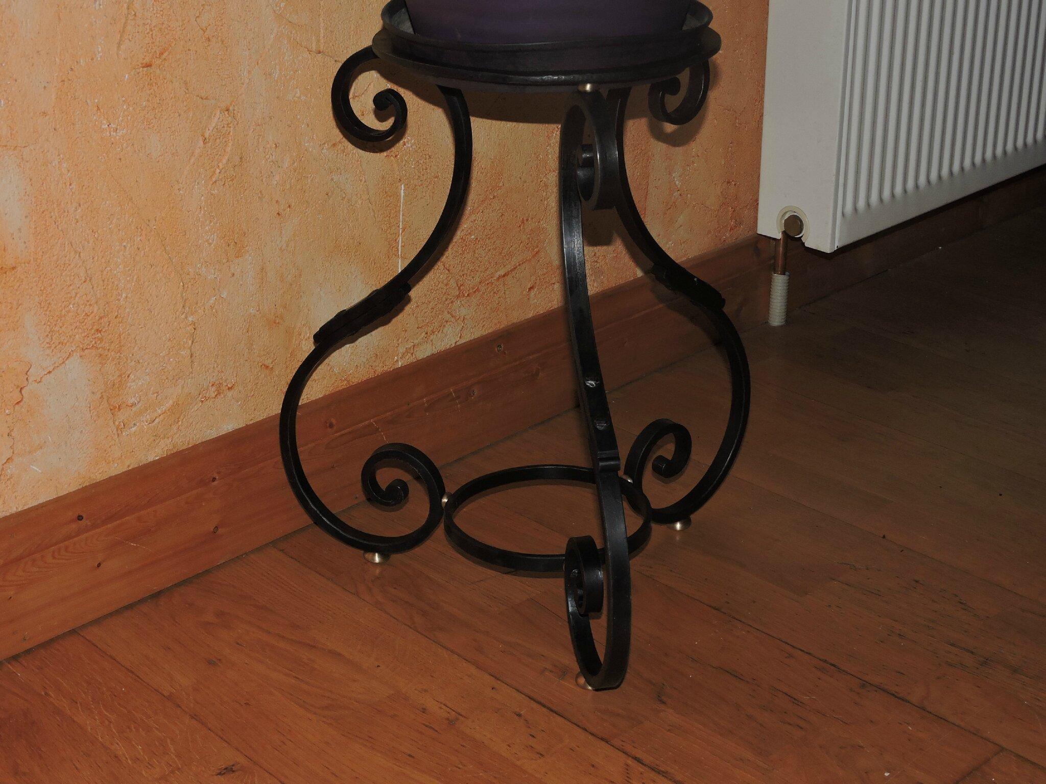 support de plantes ferronnerie d 39 art rocle. Black Bedroom Furniture Sets. Home Design Ideas