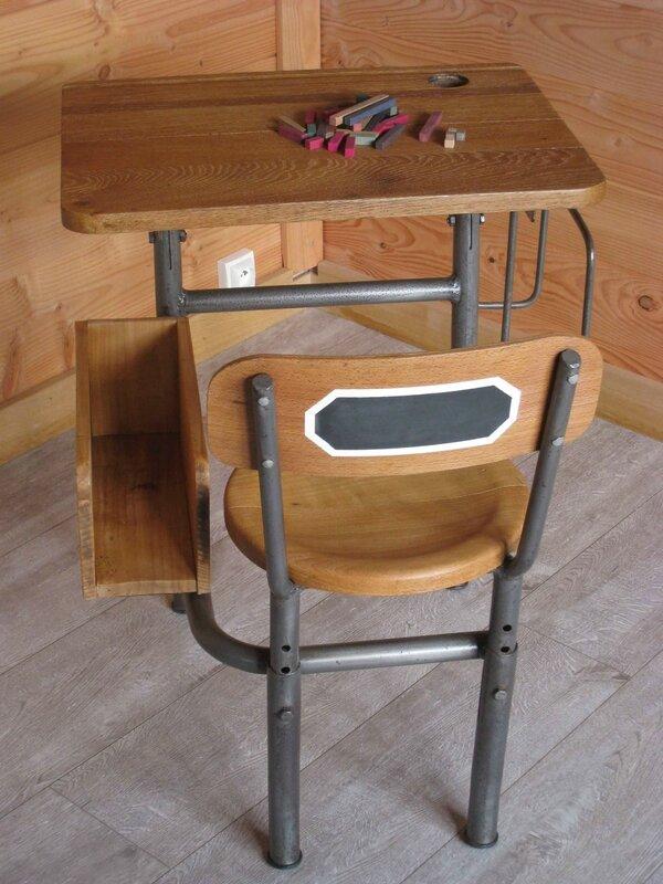 un ancien pupitre colier tr s original patines couleurs. Black Bedroom Furniture Sets. Home Design Ideas