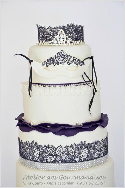 Wedding cake masques detail3w