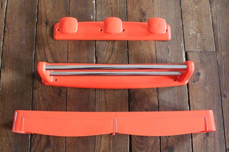 1 set orange corail pour salle de bain vie d 39 puce for Tablette salle de bain plastique