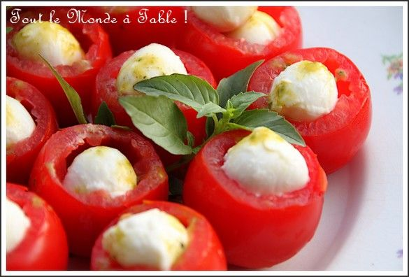 Profit roles tomates mozzarella au coulis de pistou pour for Entree simple et rapide