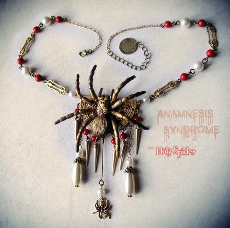Spidernecklace02