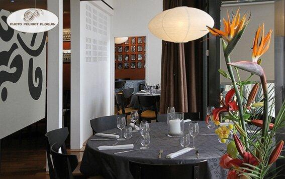 AGEN_LA_TABLE_dARMANDIE_de_Michel_Dussau_salons_prives_du_restaurant