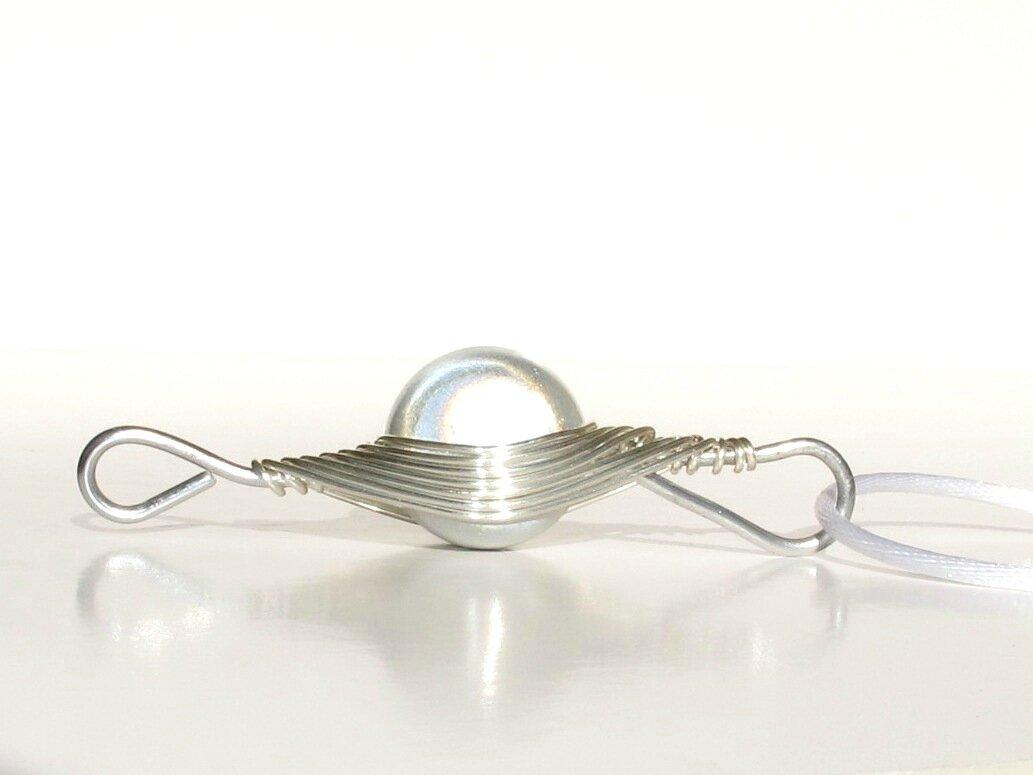 pendentif wire argent perle blanche profil2
