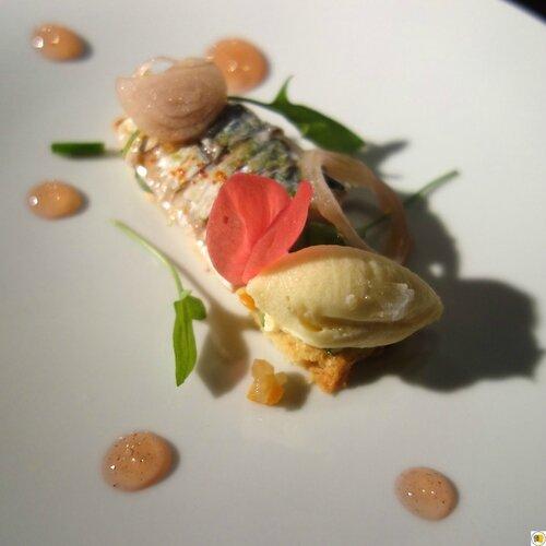 Sablé Parmesan-Amande, maquereau en escabèche et vinaigrette glacée peau de citron (2)