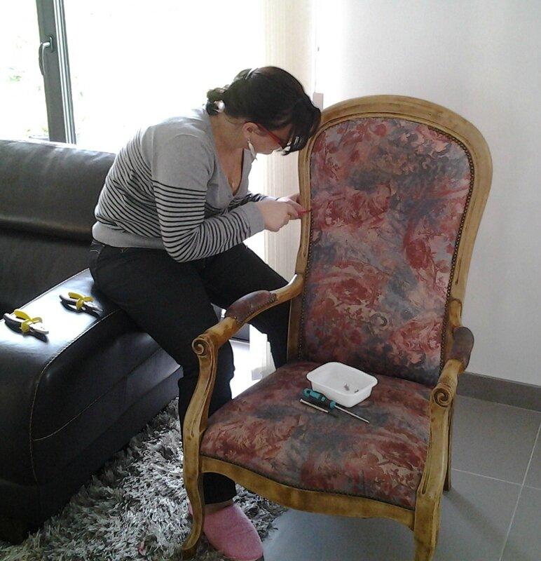 relooking d 39 un fauteuil voltaire les creations de celinette. Black Bedroom Furniture Sets. Home Design Ideas