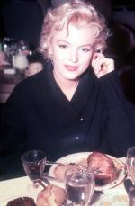 1956-DinerInSunValley