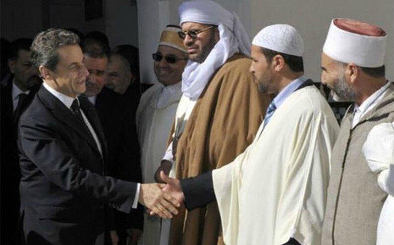 7745439847_nicolas-sarkozy-lors-de-sa-visite-a-la-grande-mosquee-de-paris-le-14-mars-2012