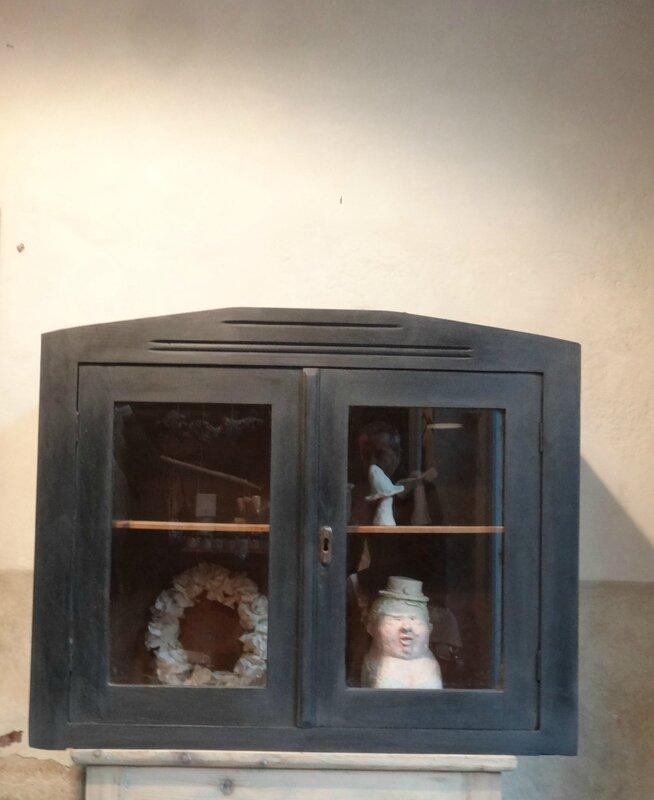 vitrine ancienne graphite