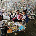 Une favela de rio envahie par... des conteurs d'histoires