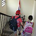 9 Nathanaël et Eve-Lise sont en route pour l'école