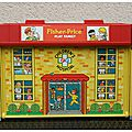 Fisher price : #931 play family children's hospital