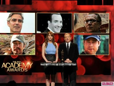 Jennifer-Lawrence-Announces-the-2012-Oscar-Nominations-4-580x435