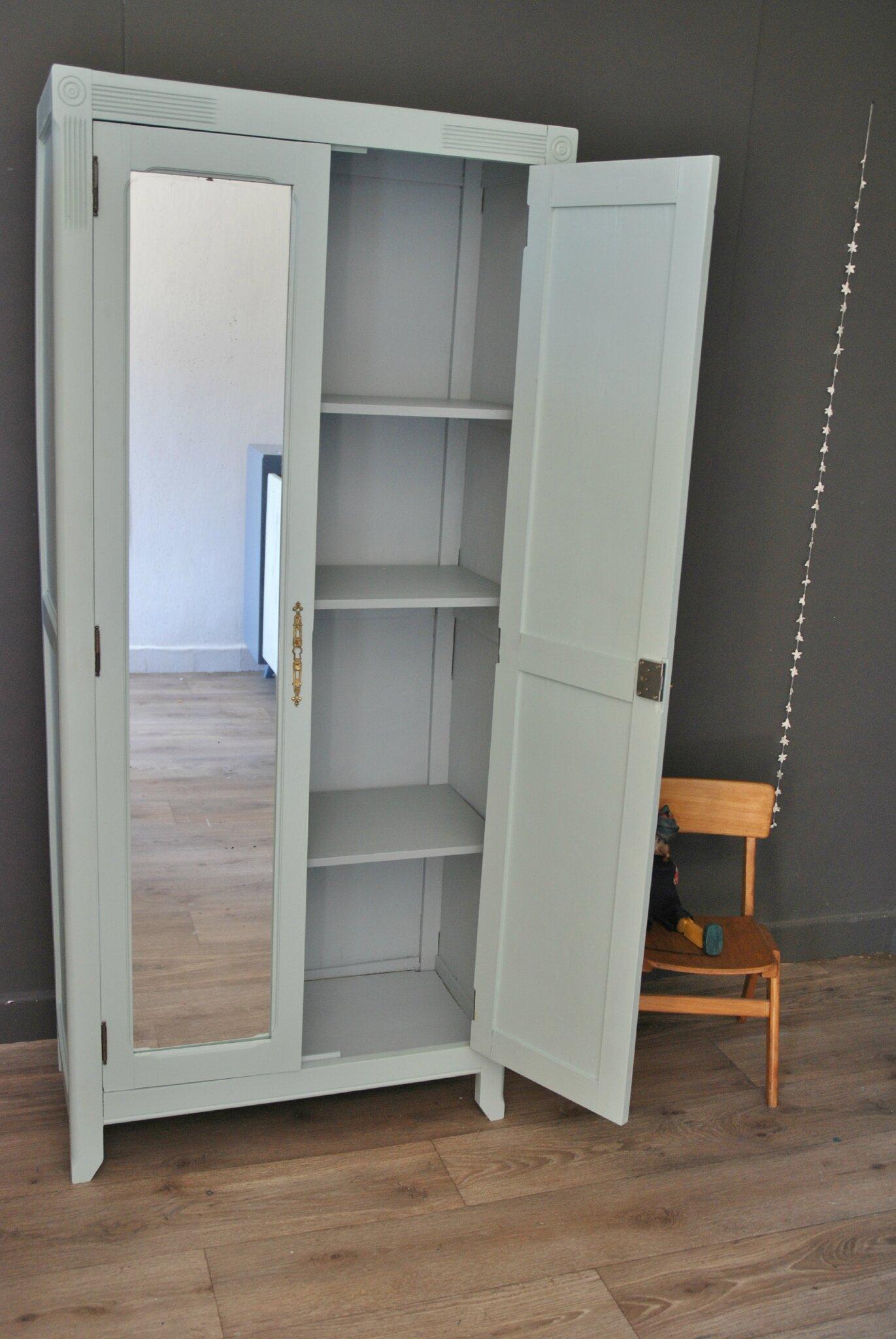 Petite armoire parisienne avec miroir vendue atelier for Miroir pour armoire