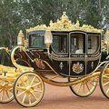 En carrosse doré ou en chaise à porteurs ?