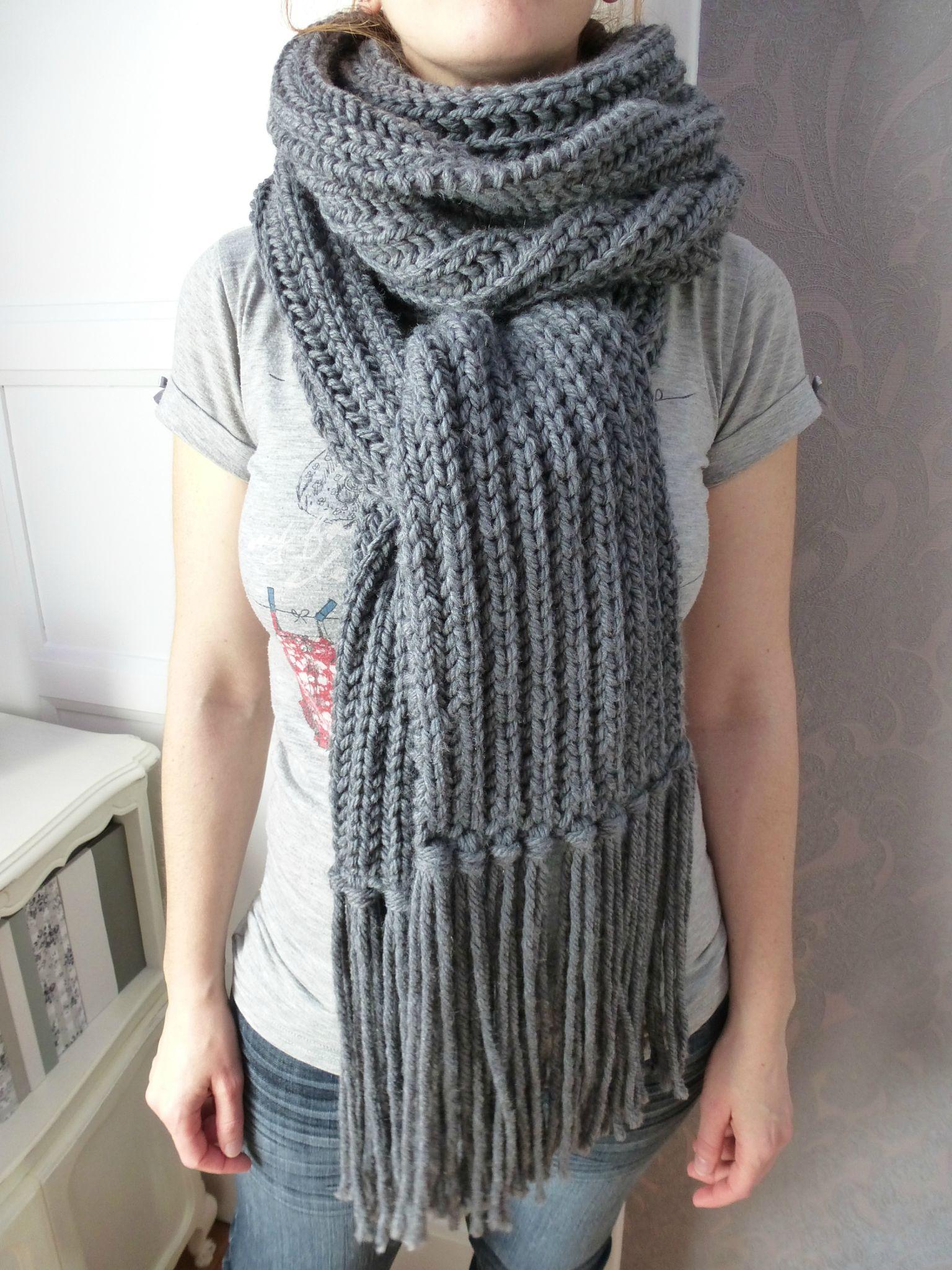ca246f1845a Echarpe en laine echarpe bonnet femme