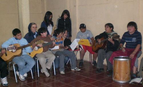 El coro e instrumentistas