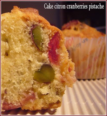 Cake citron cranberries