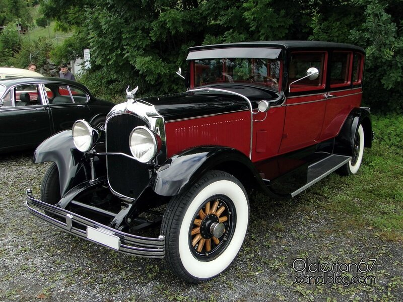 chrysler-imperial-sedan-1928-a