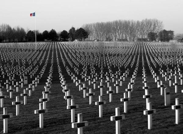 http://ma-planete.com/user/blogs/view/name_COSMOS/id_72223/title_GUERRE-14-18-volet-41-MORT-POUR-LA-FRANCE/