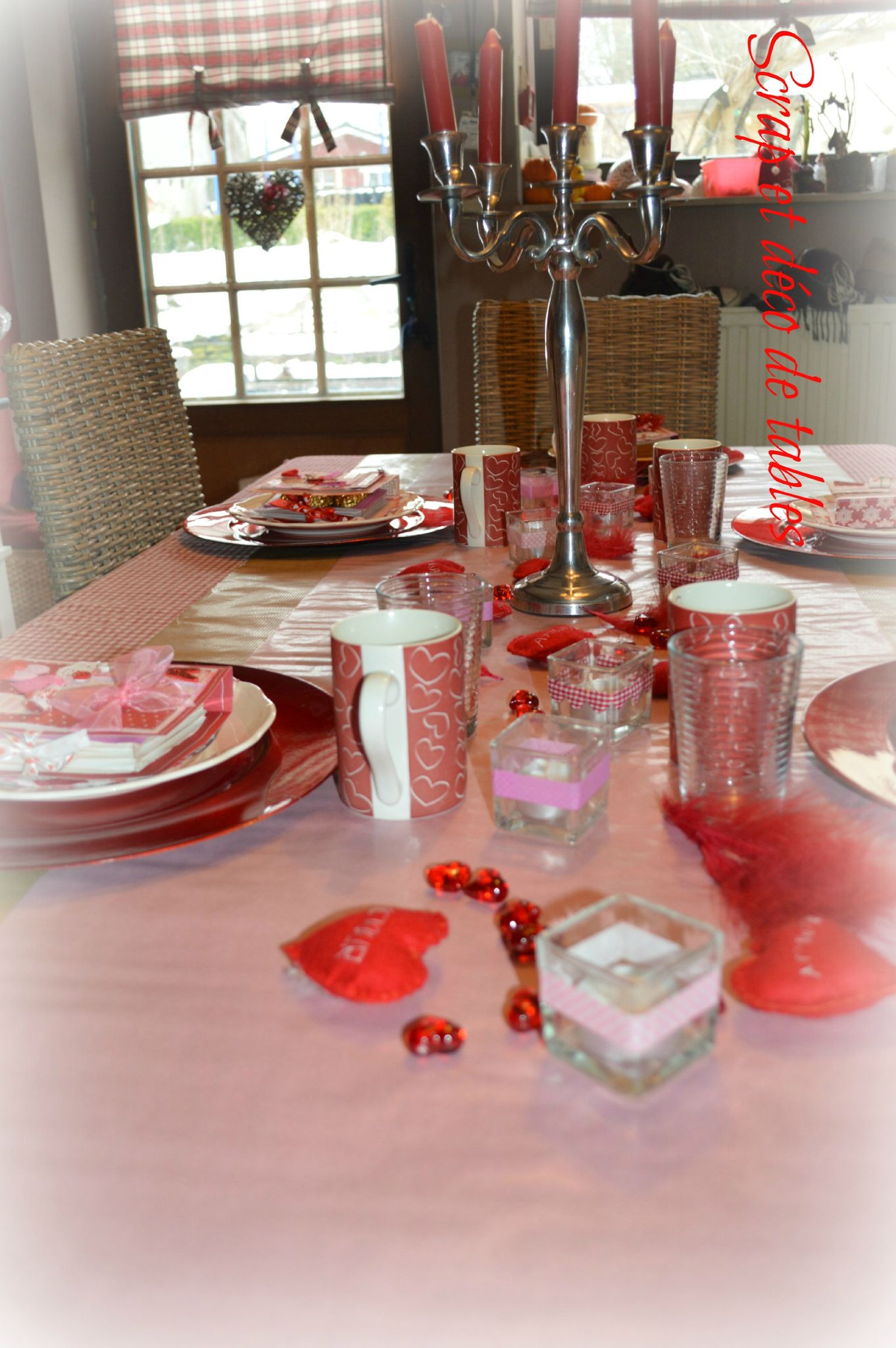 Deco de tables pour la saint valentin scrap et d co de for Decoration porte st valentin