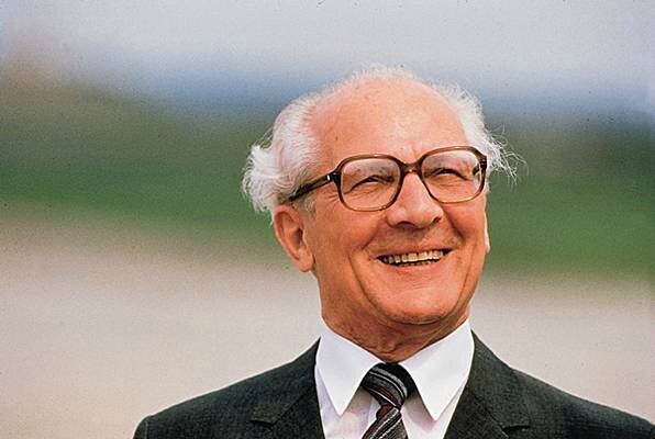 1004575-Erich_Honecker