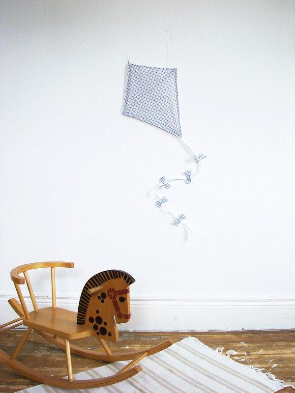 cerf volant decoration tissu bleu-rouge chezpiu 6