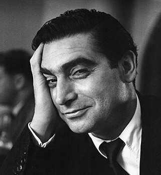 portrait-robert-capa