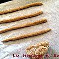 Mousse au cantal entre-deux , caramel à la liqueur de verveine artisanale et gressins aux noix